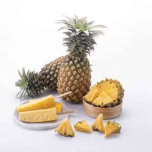 Pineapple, Ananas, Natural foods, Fruit, Food, Plant, Yellow, Vegan nutrition, Produce, Bromeliaceae, Poales, Pineapple