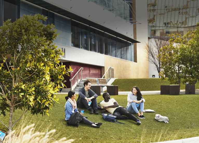 Public space, Campus, Leisure, Sitting, Lawn, Architecture, Spring, Grass, Tree, Room, University, School, City, Building, Victoria University, Campus, University of Melbourne, University