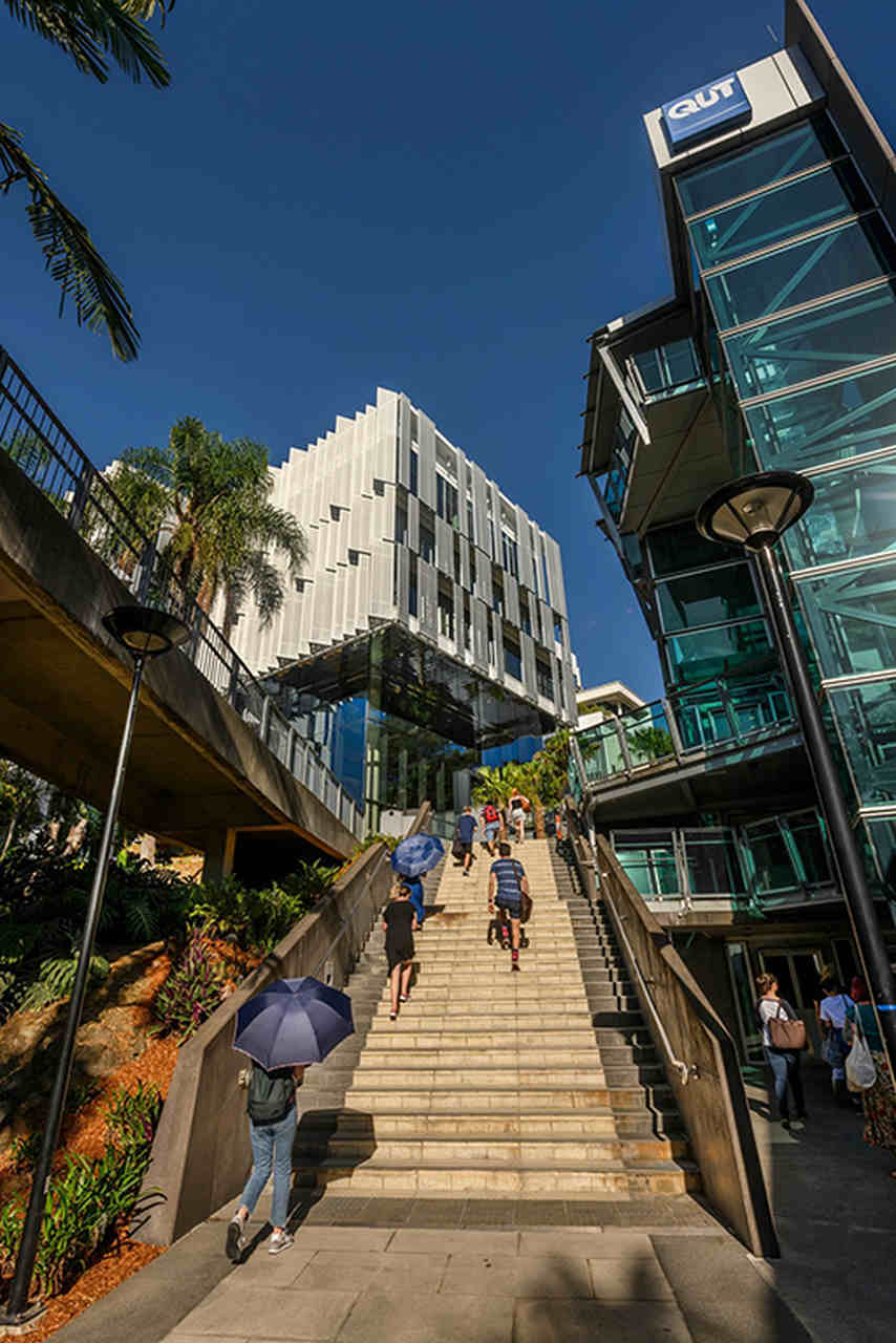 Architecture, Daytime, Metropolitan area, Building, Urban area, City, Sky, Mixed-use, Walkway, Pedestrian, Tree, Tourism, Photography, Street, Downtown, Metropolis, CANCELLED – QUT | Open Day, Gardens Point, QUT Gardens Point Campus, QUT Kelvin Grove Campus, University