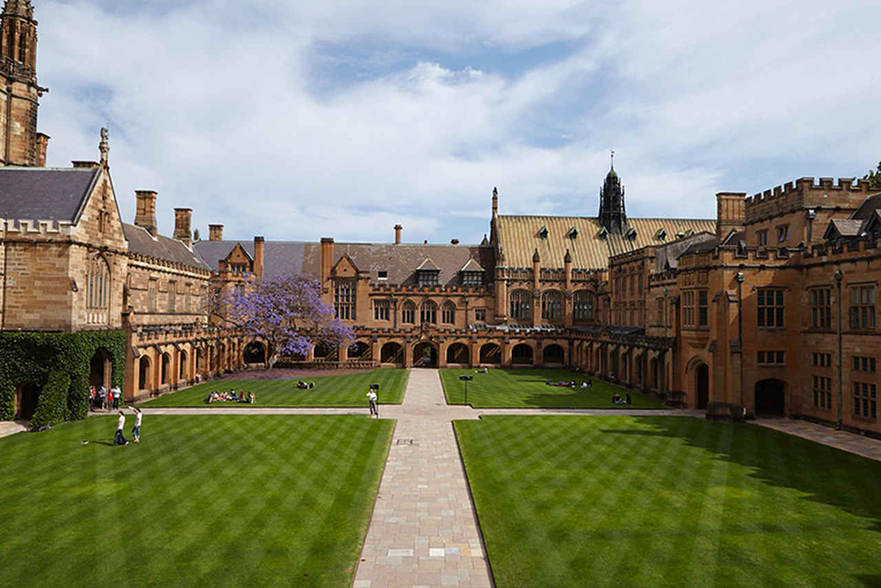 Building, Grass, Landmark, Estate, Architecture, College, Courtyard, Stately home, Palace, University, Campus, Lawn, City, Tree, Sky, Mansion, School, House, Plant, Almshouse, University of Sydney, The University of Sydney, The University of Queensland, University of Technology Sydney, University, The University of Sydney, College