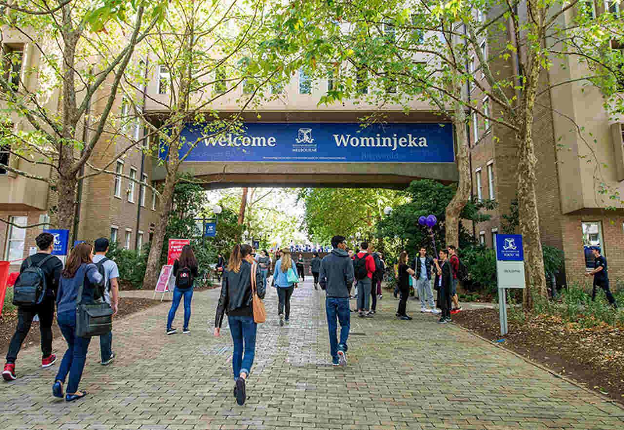 Tree, Pedestrian, Leisure, Walking, Architecture, Recreation, Building, Tourism, Plant, University of Melbourne, The Australian National University, University, Student