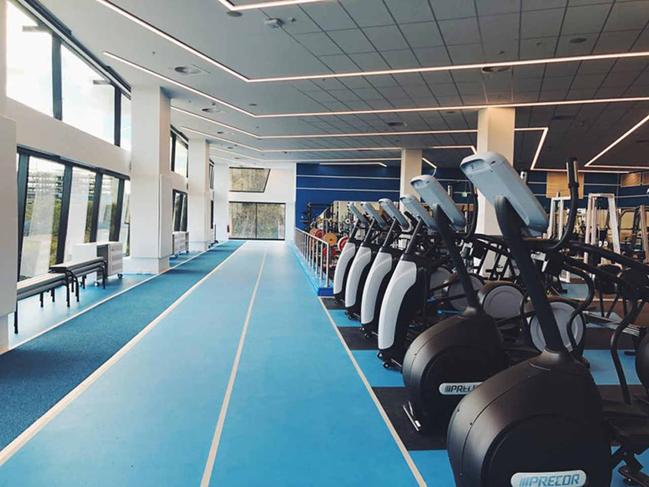 Leisure centre, Gym, Room, Physical fitness, Building, Sport venue, Fitness Centre