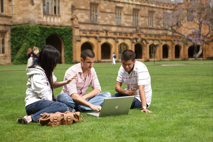 Grass, Campus, Lawn, Sitting, Leisure, Tourism, Architecture, Student, College, The University of Sydney, Campus, International House, The University of Sydney, University, Student, College