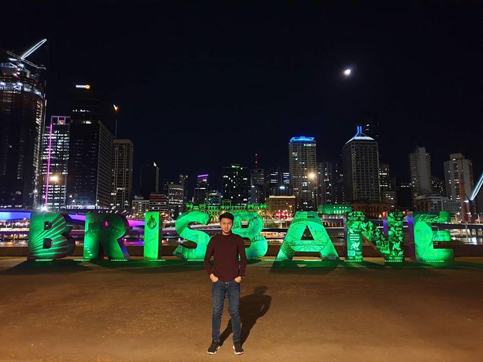 Metropolitan area, Night, Metropolis, Green, City, Cityscape, Human settlement, Landmark, Skyline, Urban area, Light, Downtown, Lighting, Midnight, Sky, Electricity, Skyscraper, Tree, World, University of Melbourne