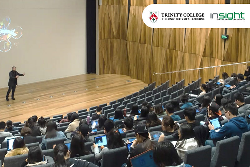 Academic conference, Auditorium, Convention, Audience, Event, News conference, Seminar, Lecture, Public speaking, Crowd, Conference hall, Building